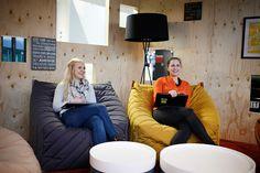 #easyCredit_de #officedesign #Nuremberg #banking #zukunftderarbeit #TeamBank #worklifebalance Work Life Balance, Office, Bean Bag Chair, Design, Furniture, Home Decor, Architecture, Projects, House