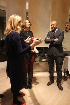 Renata Prevost con Vittorio Longoni, responsabile della boutique La Tenda