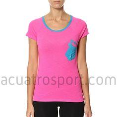 Camiseta Only Play de algodón para mujer en color rosa con detalles en azul.   Diseño en cuello redondo y manga corta.   Composición: 100% algodón. Only Play, Color Rosa, Fitness, V Neck, T Shirt, Tops, Women, Fashion, Crew Neck