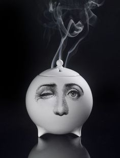 With the latest of these 'Collaborazioni,' Barnaba Fornasetti has turned his attention towards the notion of home fragrance in combination with decorative objects. Vases, Objet Deco Design, Piero Fornasetti, Home Candles, Teapots And Cups, Chocolate Pots, My Tea, How To Look Better, How To Make