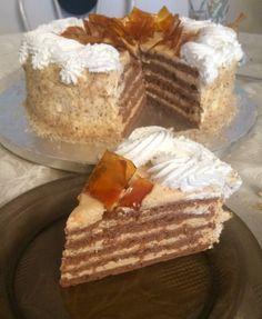 Mennyei kastélytorta - cukrásztétel | Sweet Bonnie Hungarian Cake, Hungarian Recipes, Hungarian Food, Tiramisu, Waffles, Cake Recipes, Food And Drink, Cooking Recipes, Sweets