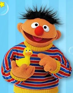 This is Ernie he is the brother of Bert ; he likes his toy rubber ducky he carry's it everywhere Sesame Street Muppets, Sesame Street Characters, Sesame Street Party, Cartoon Characters, Les Muppets, Babys 1st Halloween, Mejores Series Tv, Bert & Ernie, Fraggle Rock
