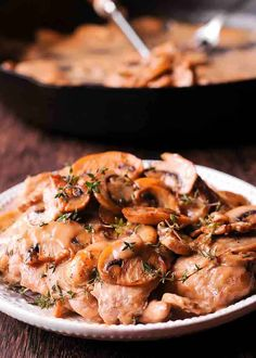 Skillet chicken thighs in creamy mushroom pan sauce. Mushroom White Wine Sauce, Mushroom Sauce For Chicken, Chicken Thights Recipes, Yummy Chicken Recipes, Recipe Chicken, Lemon Chicken, Fish Recipes, Skillet Chicken Thighs, Chicken Thighs Mushrooms