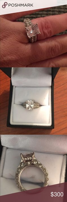 Absolutely stunning sterling silver CZ ring Size 6.5 absolutely amazing Jeulia cubic zirconia ring in sterling silver. This is certainly an eye catcher!!! TV higher ❤️ Jeulia Jewelry Rings