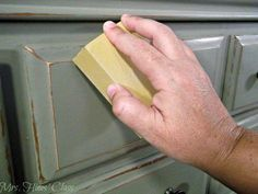 Are you tyring chalk paint for the first time? Dont miss these Tips and Tutorials for Painting Furniture with Chalk Paint at Mrs. Hines Class - Diy for Houses
