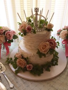Calumet Bakery Buttercream Textured Wedding Cake with fresh flowers