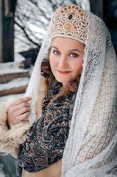 A pretty girl in kokoshnik (a headdress) and Russian Orenburg shawl. Oh that shawl!