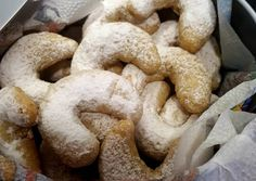 Hókifli | Krisztina receptje - Cookpad receptek Ale, Stuffed Mushrooms, Cookies, Vegetables, Desserts, Food, Stuff Mushrooms, Crack Crackers, Tailgate Desserts