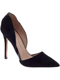 Black pumps- love the silhouette