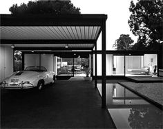 The Case Study House designed by Pierre Koenig. Mid Century Ranch, Mid Century House, Commercial Architecture, Residential Architecture, Modern Ranch, Mid-century Modern, Beautiful Architecture, Modern Architecture, Jaguar