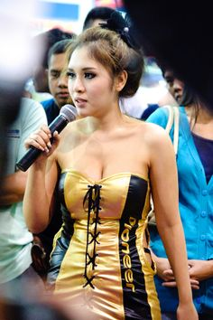 Thailand International Motor Expo 2011 Booth Babes