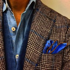 Love that pocket square. Sharp Dressed Man, Well Dressed Men, Costume Prince, Stylish Men, Men Casual, Gents Shirts, Gents Fashion, Elegance Fashion, Business Casual Outfits