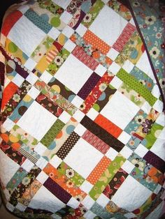 Quilt PATTERN…One Jelly Roll Easy and Quick by sweetjane…could be used for a signature quilt pattern! Scrap Quilt, Jellyroll Quilts, Easy Quilts, Jelly Roll Quilt Patterns, Easy Quilt Patterns, Block Patterns, Quilt Baby, Quilting Projects, Quilting Designs