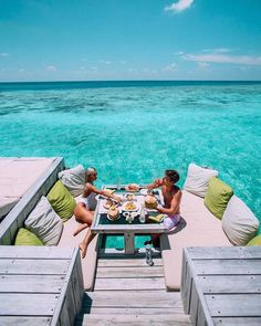 """927 Likes, 16 Comments - Diary Inspiration 🍉 (@blondesandcookies) on Instagram: """"Breakfast in Paradise 💚 Tag your baby 👫 by @mylifeaseva via @stylefriques 😻"""""""