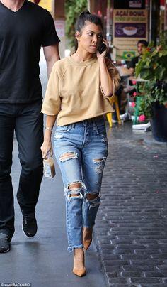 Kourtney Kardashian, Kardashian Style, Kardashian Jenner, Yellow Jumper Outfit, Studio City Los Angeles, Jenners, Street Style, Distressed Denim, Makeup Products