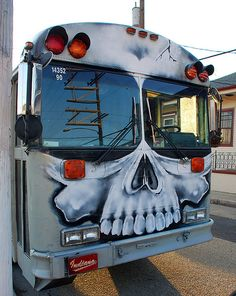 B♠nes ☠ - that would be kinda cool seeing that coming down the street!