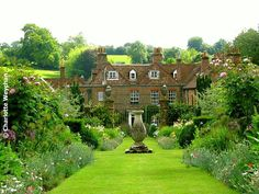 The Galloping Gardener: A trio of Hampshire gardens - some of Britain's best-kept secrets!
