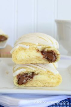 Cheesecake Nutella Twists - cheesecake and Nutella wrapped in a crescent roll makes a great treat any time of day!