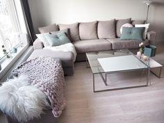 Good morning💕I dag er det lunsj med barselgruppa💕- for Repost husk #interior_caa 😉 Today it's lunch with some other mothers 💕😊 #cozy#interior123#rom123stue#follow#instagood#charminghomes#art#instalove#instalike#hus10aihundre#photooftheday#styling#style#livingroom#table#bord#decor#livingroominspo#mykindoflikeinspo#livingroominspiration#chunkyblanket#chunkypledd#kava_interior#putti123#easyinterieur#hus10aihundre#thursdayinspoo hos  @miennasverden #fredagsinspo @hanneromhavaas