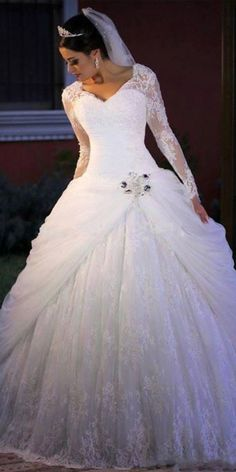 Marvelous Tulle & Lace V-neck Neckline Ball Gown Wedding Dress With Lace Appliques & Beadings Hochzeitskleid 2019 - Kate Wedding Dress, White Lace Wedding Dress, Wedding Dresses For Girls, Princess Wedding Dresses, Perfect Wedding Dress, Designer Wedding Dresses, Bridal Dresses, Lace Dress, Girls Dresses