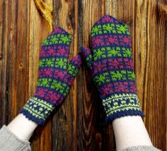 hand knitted blue re green wool mittens by peonijahandmadeshop, $45.00