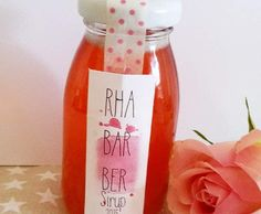 Rhabarber-Sirup Recipe rhubarb syrup from Backingstar – recipe of the category drinks Strawberry Drink Recipes, Rhubarb Syrup, Homemade Burgers, Vegetable Drinks, Healthy Eating Tips, Prosecco, Muesli, Stevia, Smoothie Recipes
