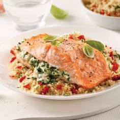 Stuffed salmon with feta cheese and spinach - David Tepelian - - Saumon farci à la feta et épinards Stuffed salmon with feta cheese and spinach Shellfish Recipes, Meat Recipes, Vegetarian Recipes, Healthy Recipes, Healthy Food, Spinach And Feta, Fish And Seafood, Salmon Burgers, Easy Meals