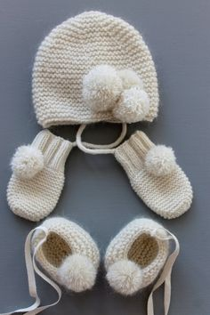 Full cashmere and mohair baby set, baby booties, baby hat and baby mittens. For my little winter baby :)