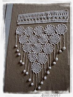 Atout coeur 63 Plus Crochet Curtain Pattern, Crochet Motif Patterns, Crochet Curtains, Curtain Patterns, Unique Crochet, Diy Crochet, Crochet Crafts, Crochet Hooks, Filet Crochet