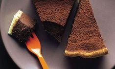 Lorraine Pascale: Ridiculously rich chocolate tart Tart Recipes, Chef Recipes, Vegan Truffles, Chocolate Delight, Sweet Pie, Desert Recipes, No Bake Desserts, No Bake Cake, Sweet Tooth