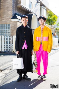Shuehei (left, 22 years old) & Ryuma (right, 19 years old) | 4 April 2017 | #couples #Fashion #Harajuku (原宿) #Shibuya (渋谷) #Tokyo (東京) #Japan (日本)