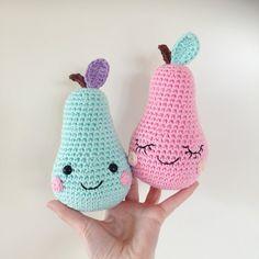 Happy Pears amigurumi pattern by Super Cute Design Kawaii Crochet, Crochet Food, Knit Or Crochet, Cute Crochet, Crochet Dolls, Double Crochet, Single Crochet, Crochet Hats, Amigurumi Patterns