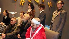 Bruno Moynot (Preskovitch) et Gérard Jugnot (Félix) lors de l'intronisation du Père Noël est une ordure par le Musée Grévin, à Paris, ce jeudi 15 décembre.