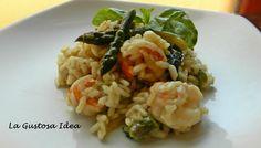 Il risotto con asparagi e gamberetti è un classico primo piatto della nostra cucina. Il gusto di questo risotto mi piace moltissimo perché sposa perfettamente due prodotti totalmente diversi (uno di terra e uno di mare) ma che insieme danno un sapore unico al risotto.