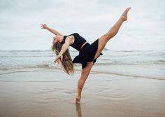 Julia Salustiano  (@juliasalustiano) #juliasalustianodance #instadance #art #artist #artwork #arte #picoftheday #photooftheday #igmasters #achadosdasemana #dance #dança #dancer #bailarinos #dançarino #igerssp #igerssantos #guaruja #praiadotombo #igersbrasil #lifestylephotography #vscobrasil #vscocam #arteemfoco #contemporarydance #expressaocorporal #ballerina #ballet #balletdancer #worldwideballet