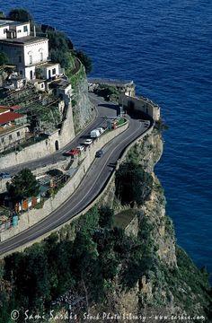 Positano Italien, Amalfi Coast, Climbers, Paddle Boarding, Dream Vacations, Italy Travel, Paths, Europe, Tours