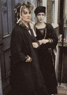 fashion, punk and london. Vintage Goth, Victorian Goth, 80s Goth, Punk Goth, 80s Punk Fashion, Vintage Fashion, Disco Fashion, Fashion Black, Fashion Kids