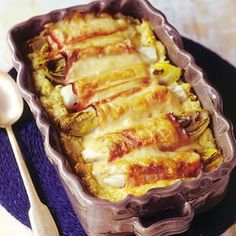 Witlof met ham en kaas en mosterdpuree (Chicory with ham & cheese and mustard puree) Dutch Recipes, Oven Recipes, Cute Food, Good Food, Yummy Food, Enjoy Your Meal, Belgian Food, Oven Dishes, Perfect Food