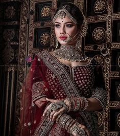 bridal jewelry for the radiant bride Indian Bridal Outfits, Indian Bridal Fashion, Indian Bridal Makeup, Indian Bridal Wear, Indian Wedding Jewelry, Indian Dresses, Bridal Poses, Bridal Photoshoot, Bridal Lehenga Collection