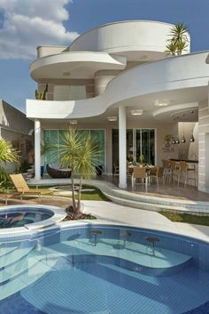 Luxury House Design You Should Improve in your Ordinary House - Possible Decor Dream Home Design, Modern House Design, My Dream Home, Luxury Homes Dream Houses, House Goals, Exterior Design, Future House, Architecture Design, House Styles