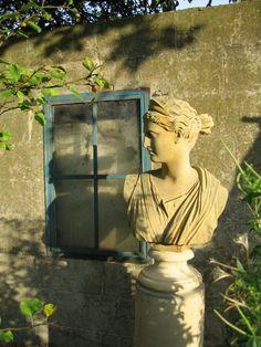 garden bust