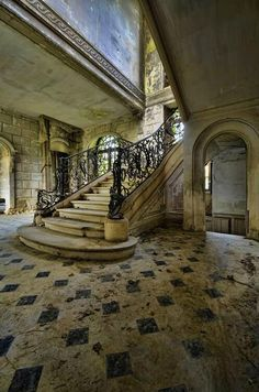 old homes, stairway, learn french, old mansions, haunted houses