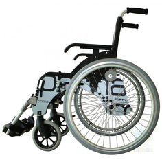 Silla Prima. La silla de ruedas Prima de Forta cuenta con sistema de respaldo abatible y reclinable y con un sistema de desmontaje rápido en sus ruedas traseras de aluminio de 600mm.