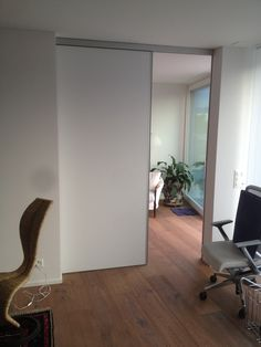 Room high sliding door hxb In white lacquer - Raum Home And Living, Living Room, Beautiful Color Combinations, Sliding Doors, Barn Doors, New Homes, Shelves, Interior Design, House