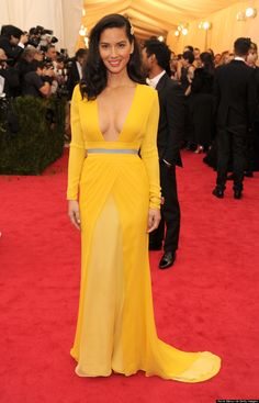 Olivia Munns Met Gala 2014 Dress Makes Yellow Hot Again (PHOTOS)