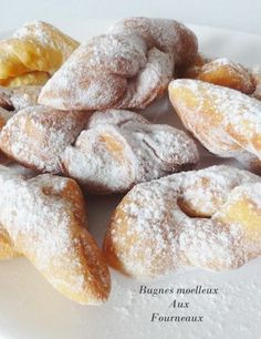 Bugnes très moelleuses // Bugnes are French donuts, my grandmother made the best French Donuts, Churros, Baking Recipes, Dessert Recipes, Desserts With Biscuits, Carnival Food, Love Food, Sweet Recipes, Sweet Tooth