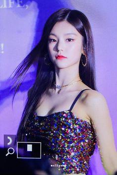 Kpop Girl Groups, Korean Girl Groups, Kpop Girls, My Girl, Cool Girl, Beautiful Dresses, Beautiful Women, Fandom, Korean Outfits