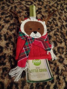 Knit Red Sweater Wine Bottle Cover Gift Wrap Holiday Christmas Reindeer Face NEW #FoodNetwork