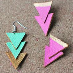 Easy  colorful triangle earrings made from leather. #tridelta
