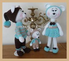 Papa et maman Ours ours mesurent 30cms environ. Fiston Ours mesure 16cms environ. La famille est vendue entière soit les 3 pièces !  Entièrement faite à la main avec soin.  - 12454423